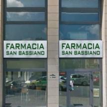 ingresso farmacia San Bassiano